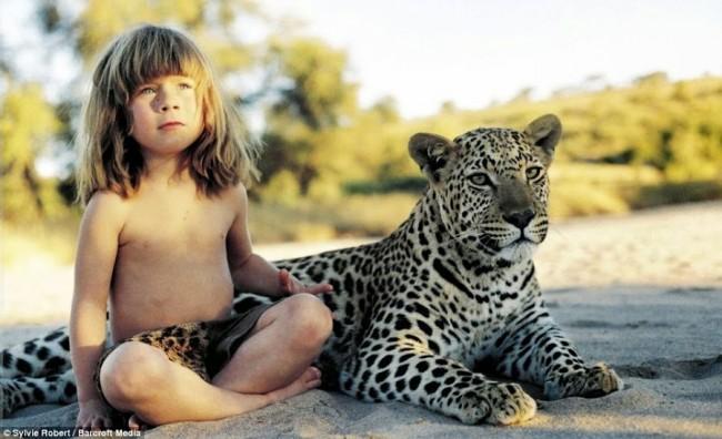 niños criados por animales