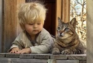 Gato-y-niño
